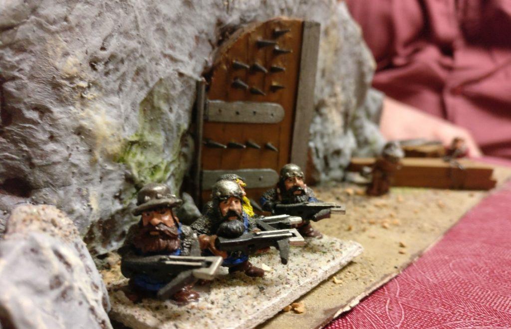 Drei Zwerge bewachen die Mine.