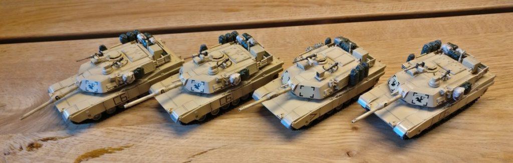 Die vier M1 Abrams von Dragin Armor.. Wenn man nicht ganz so nah rangeht, sehen sie sehr brauchbar aus.