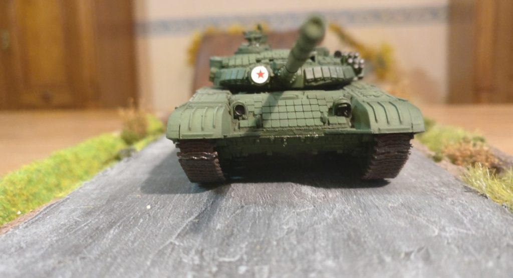 Der T-72B von Modelcollect (AS72015)