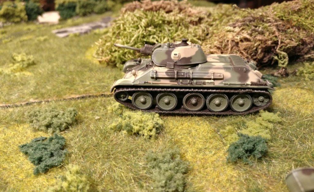 Dieser T-34/76 ist das Ziel des Richtschützen des Panzer III.