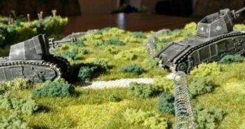 Paper Tigers #24: Stacheldrahthindernisse
