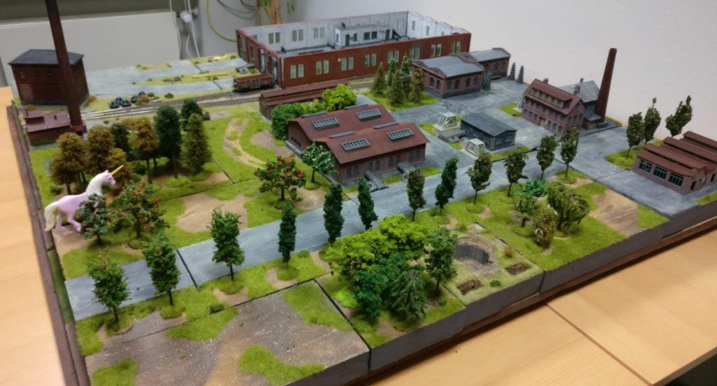"""Die neue Spielplatte """"Maschinenfabrik 'Roter Oktober' in Shturmigrad""""."""