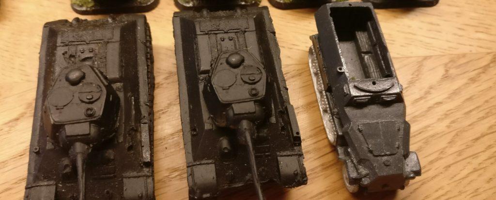 Panzer fürs PBI-Afrikakorps: ein Sd.Kfz. 251/1. Die T-34/76 haben in Afrika nichts verloren.