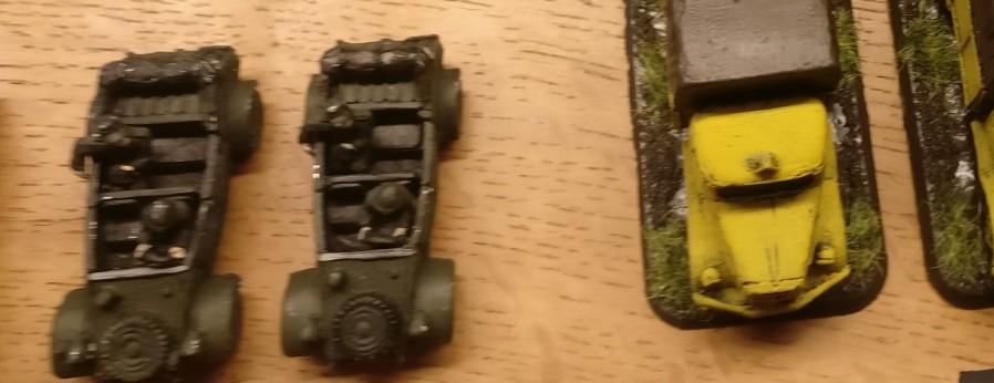 Panzer fürs PBI-Afrikakorps: einer der beiden VW Typ 82 Kübelwagen muss in die Wüste.