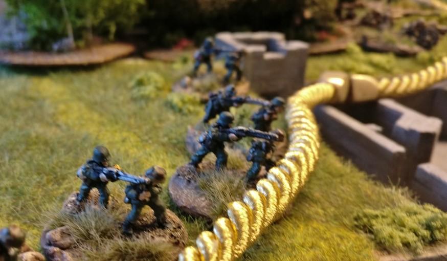 Diese LMGs (leichte Maschinengewehre) stehen an der vordersten Position.
