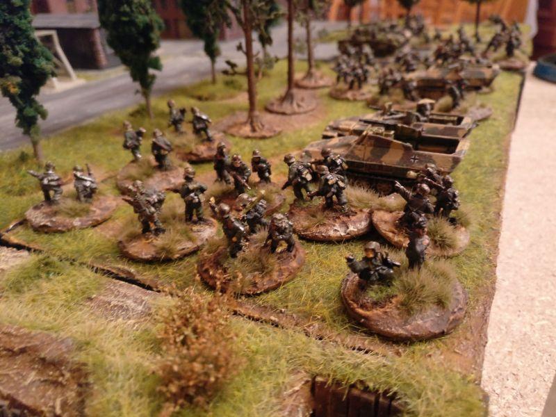Einer der beiden gut ausgestatteten deutschen Infanteriezüge.
