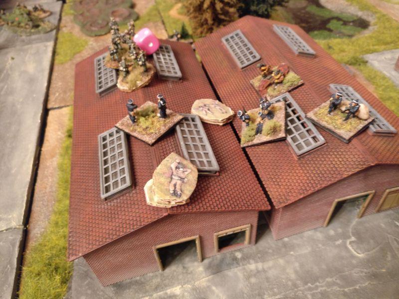Russischer Erfolg: Im Nahkampf wird eine Hallenhälfte erobert. Dies bringt den deutschen Angriff um Erliegen.