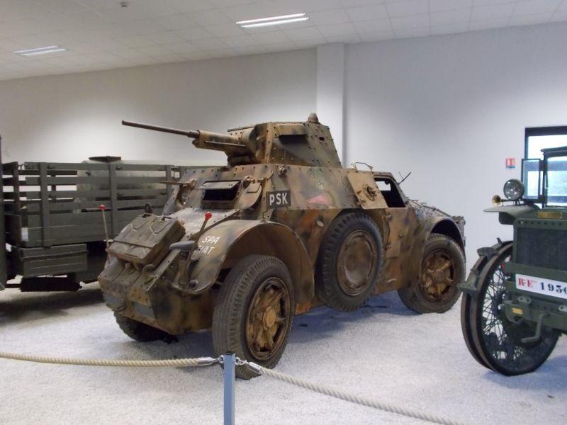 Autoblindo AB41, der italienische vierrädrige Spähpanzer. Foto aus dem MM Park-France La Wantzenau.