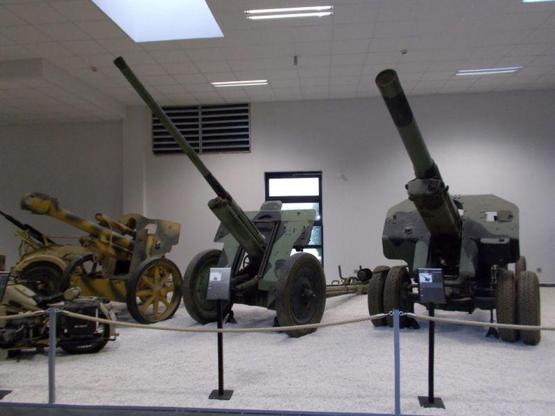 Russische Artilleriestücke. Foto aus dem MM Park-France La Wantzenau.