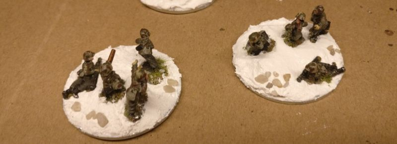 Die HMG-Teams waren am einfachsten zu montieren. Auf allen anderen Basen wurde es recht eng.