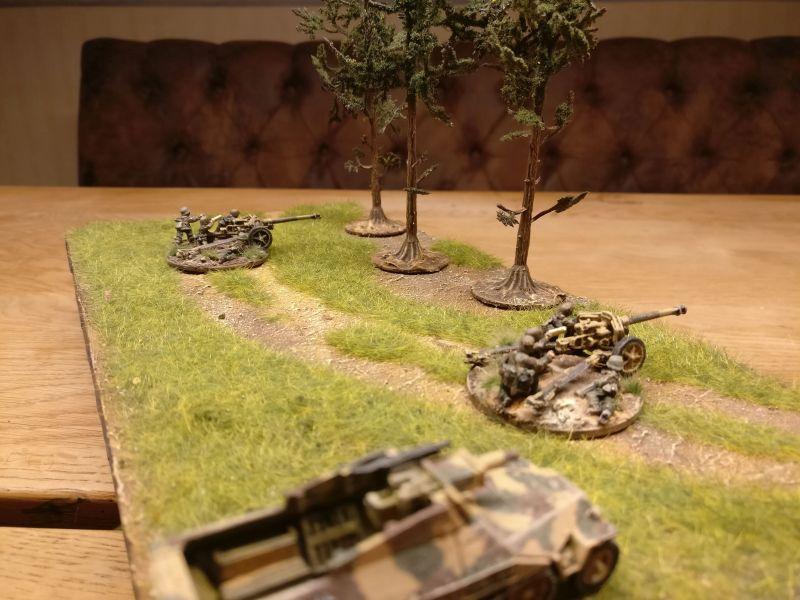 Die beiden Panzerjäger. 7,5cm-Pak 40.