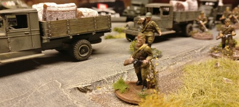 Der Nachschubstrom der Roten Armee reißt nicht ab. Die Raw-Zombies fluten das Spielfeld.
