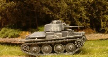 Pz.Kpfw. 38(t) von Zvezda (6130): 1/100 (15 mm) Panzer vom Weihnachtsmann