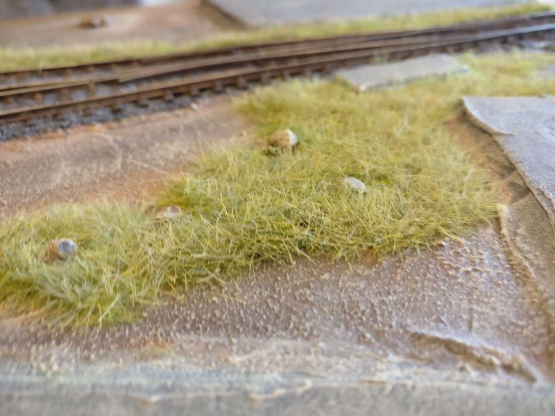 Eine weitere Stelle mit bemaltem Gras.