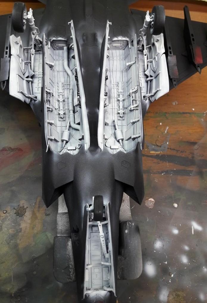 Die Italeri F-35 vom Josef ist schon ein Geschoss. Fahrwerk und Bombenschächte kommen als Nächstes dran.