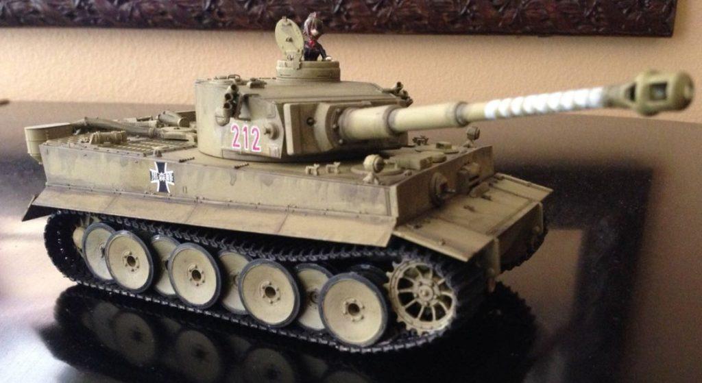 """""""Girls und Panzer"""" ist der Film, der bei Timo läuft. Klar, dass da ein angemessener Tiger her muss!"""
