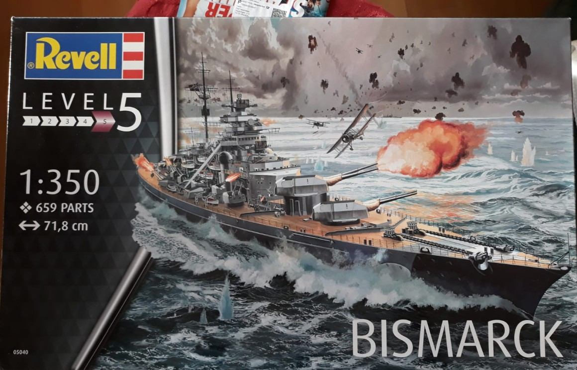 "Der Revell Bausatz ""Bismarck"" im Maßstab 1:350. (#3)"