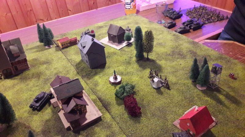 Beim Probespiel ging es gemäßigt zur Sache. Zwo Panzer IV und Zwo Schörmis und ein bisle Fußvolk.
