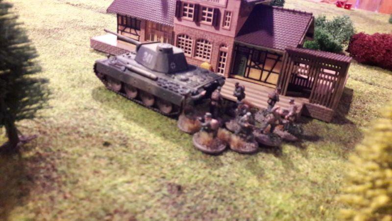 Der geile Panther hat schomma ne Murmel ins Rohr geschoben. Die 10 Jungs holen das Gebetbuch raus für die Beerdigung der Schörmis.