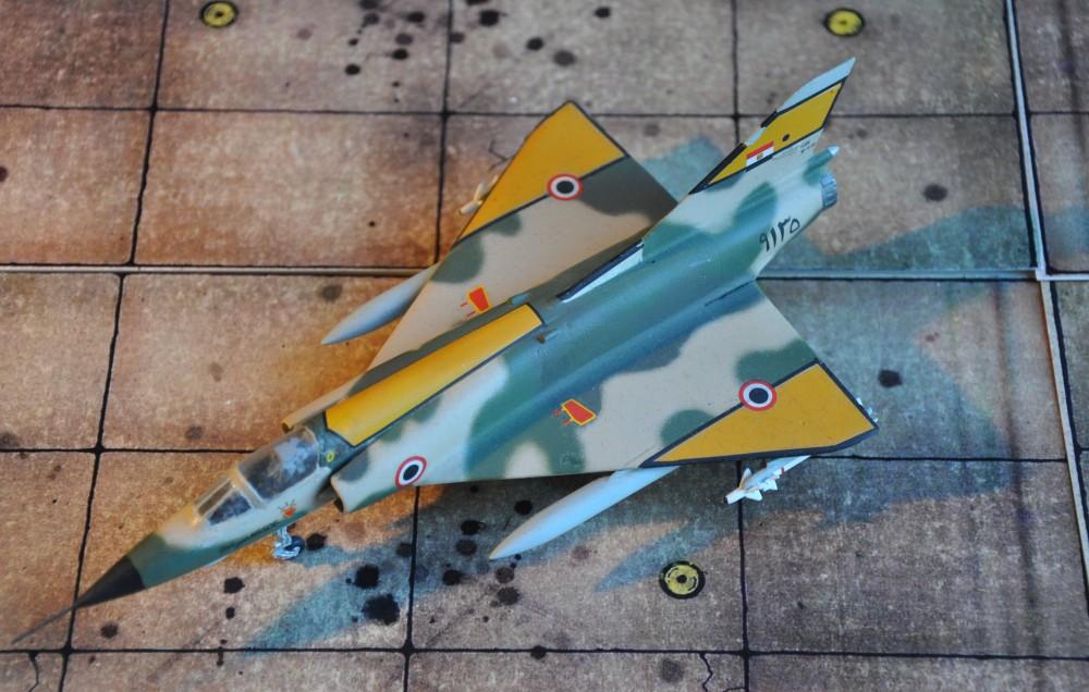 Während Israel seine Mirage-Flotte bereits im Laufe der 1980er außer Dienst stellte, flogen die ägyptischen Mirages noch bis Anfang dieses Jahrhunderts.