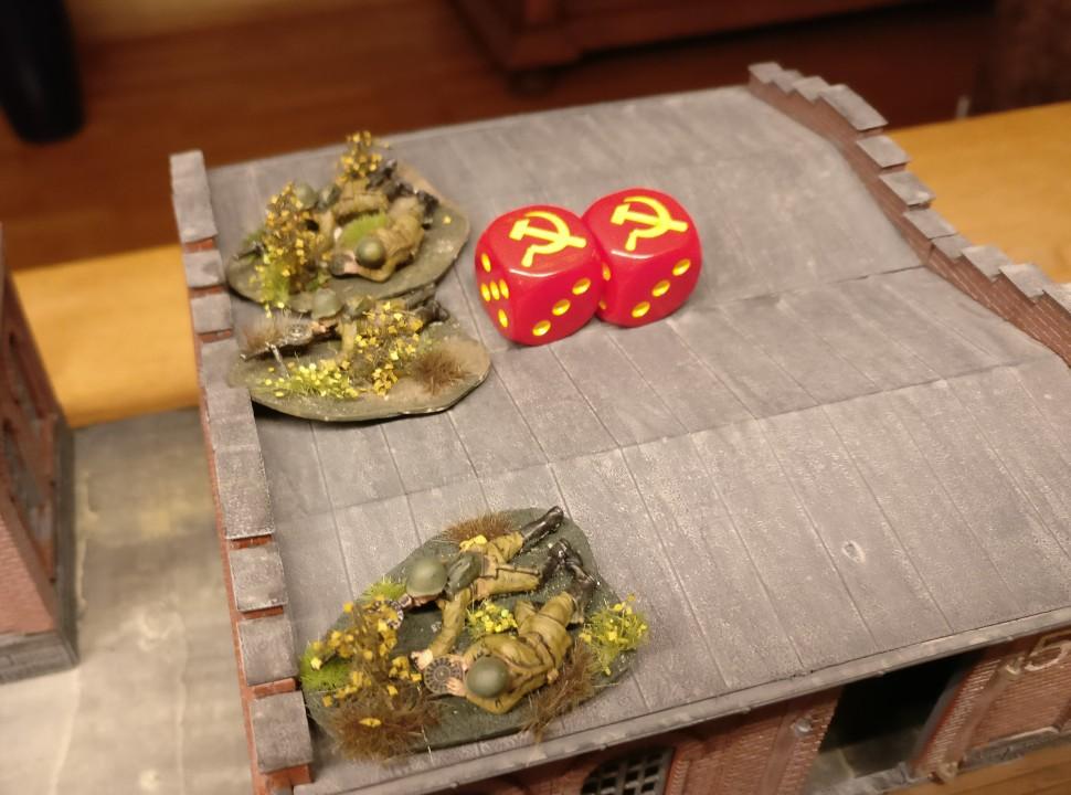 """""""Halle 5"""" ist eine Schlüsselposition mit mittlerem taktischem Wert. Sie wurde hier mit  zwei roten Sichelwürfeln markiert."""