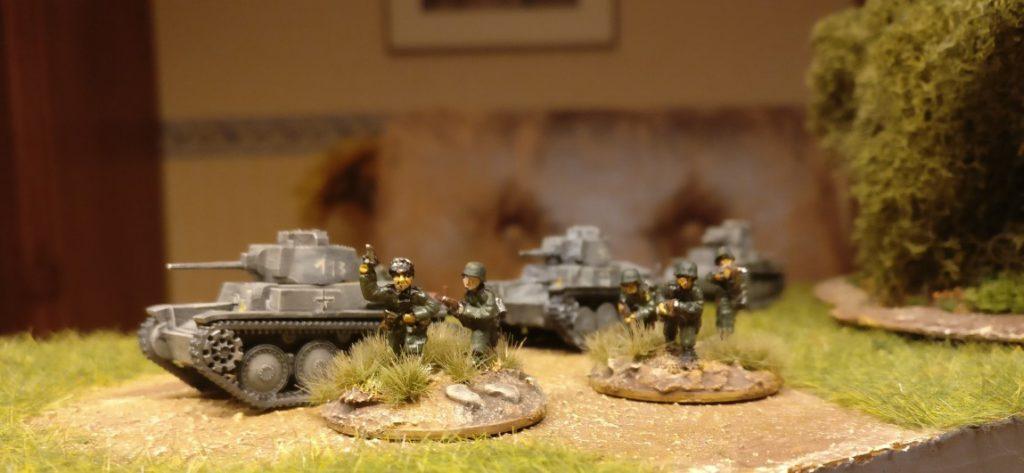 Drei Pz.Kpfw. 38(t) von Zvezda (6130): 1/100 (15 mm) Panzer aus der Monnemer Xena-Kaserne.