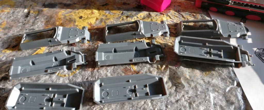 Die Plastic Soldier Bausatzbox liefert 3 Gussrahmen. Es werden also drei Schützenpanzerwagen Sd.Kfz. 251/1 Ausf. C werden.