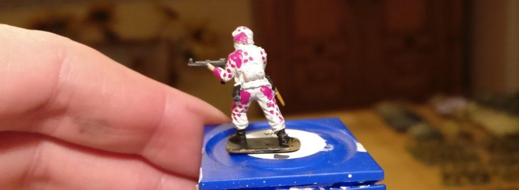 """Hier schon mal die ersten Farbe des Eichenlaubtarn """"Pink Unicorn"""""""