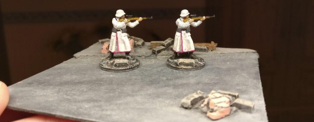 Zwei Sniper.