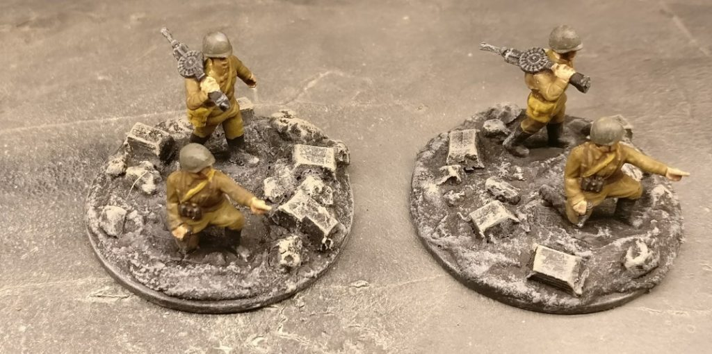 Zwei LMG im 1. Zug. Für PBI, aus dem Set Plastic Soldier Russian Infantry in Summer Uniform (WW2015001)