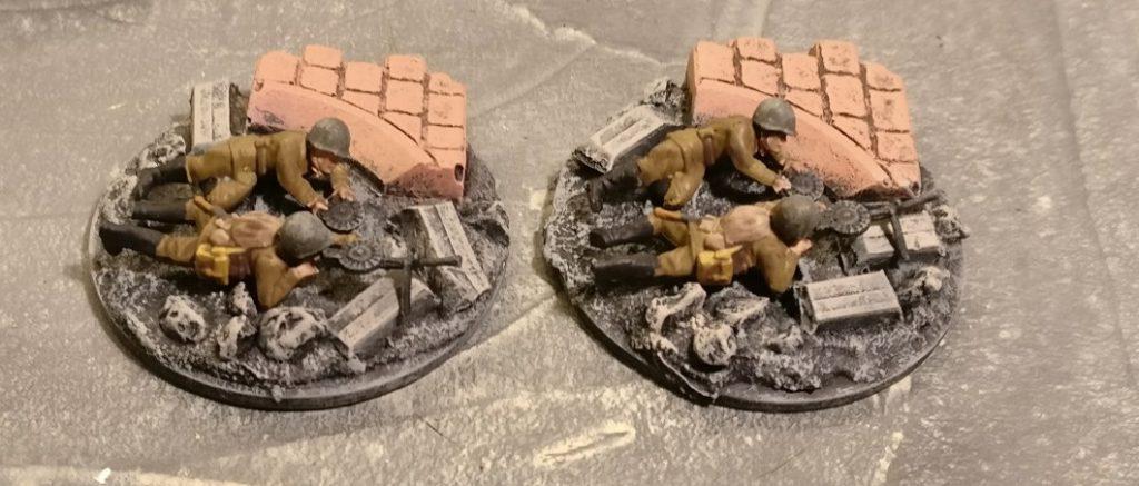 Zwei LMG im 2. Zug. Für PBI, aus dem Set Plastic Soldier Russian Infantry in Summer Uniform (WW2015001)