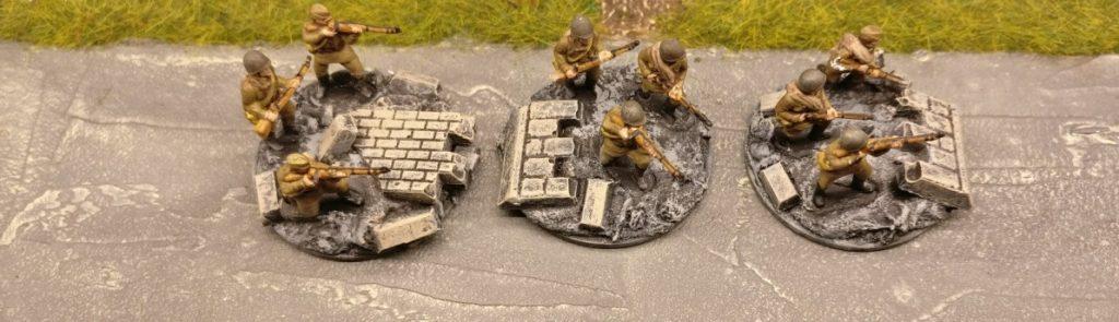 Drei Rifles im 2. Zug. Für PBI, aus dem Set Plastic Soldier Russian Infantry in Summer Uniform (WW2015001)