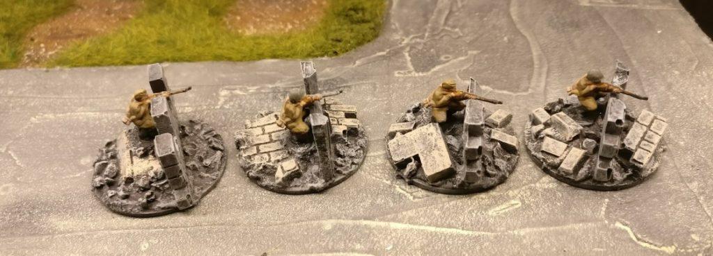 Vier Sniper. Für PBI, aus dem Set Plastic Soldier Russian Infantry in Summer Uniform (WW2015001)