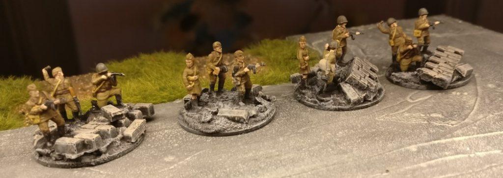 3 SMG Trupps. Für PBI, aus dem Set Plastic Soldier Russian Infantry in Summer Uniform (WW2015001)