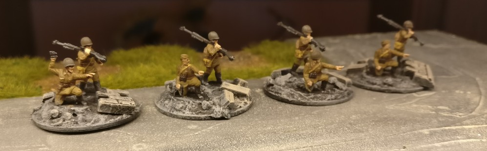 4 AT Trupps. Für PBI, aus dem Set Plastic Soldier Russian Infantry Heavy Weapons (WW2015004)