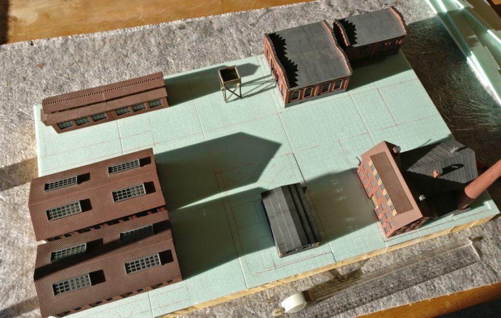 """Hier der Industriekomplex """"Wladimir Iljitsch Lenin"""" von oben gesehen. Die Gebäude stehen bereits wie geplant. Die Straßen sind bereits eingezeichnet."""