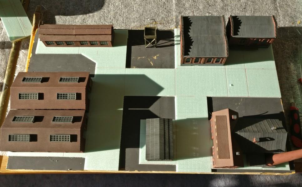 Probeweise sind die Gebäude wieder aufgesetzt. Das künftige Erscheinungsbild nimmt Gestalt an.