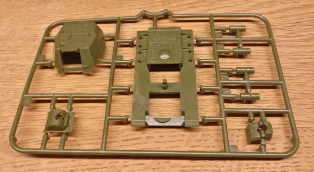 Sauber modelliert: Gussast Nr. 2 im Bausatz der  SU-152 Soviet Self Propelled Gun von Zvezda (6182)