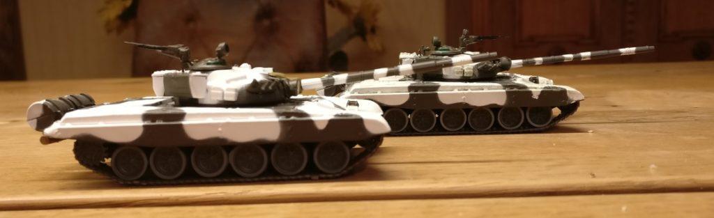 Der Atlas T-72 M1 1983 und sein Bruder von DeAgostini. Wer erkennt die beiden?