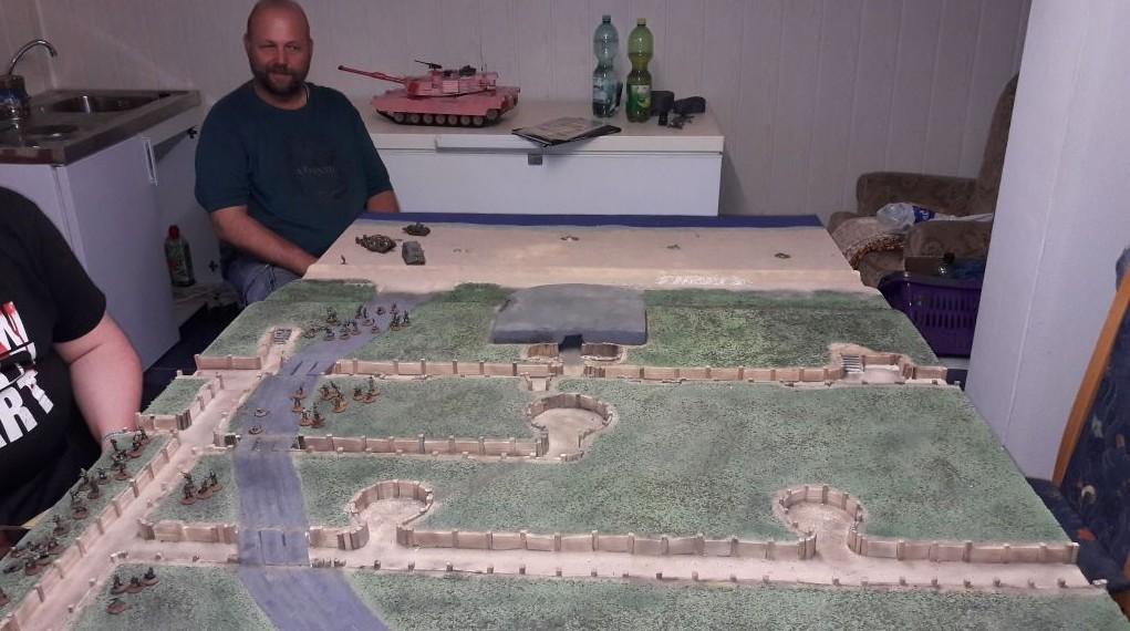 Das tief ausgebaute Stellungssystem auf Florians Platte beim Aschaffenburger Behind-Omaha-Gedächtnis-Game