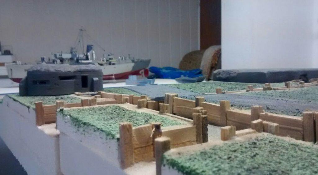 Blick über die Stellungen und Gräben auf dem Aschaffenburger Behind-Omaha-Gedächtnis-Game