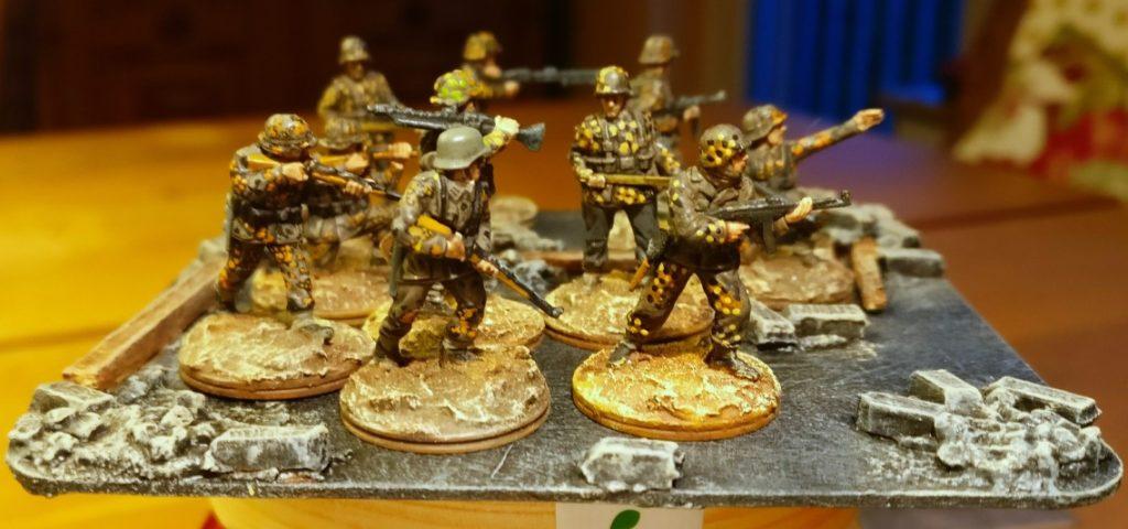 DIe Base nach Fertigstellung.  Die Herren Panzergrenadiere finden hinreichend Platz.