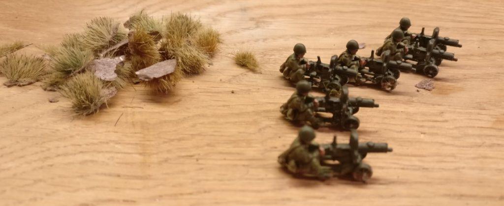 Hier die von den FoW-Basen gelösten Schützen der Maxim-MGs