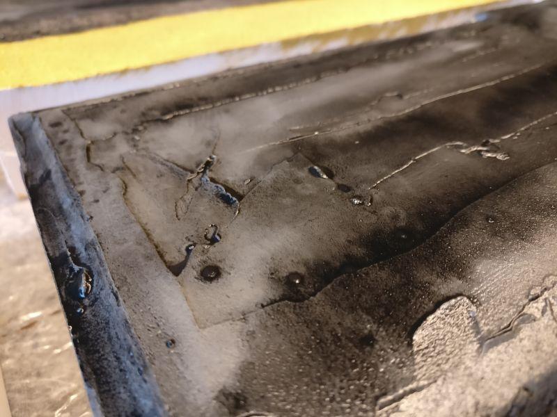 Aber auch große Flächen werden vom Black Wash akzentuiert.
