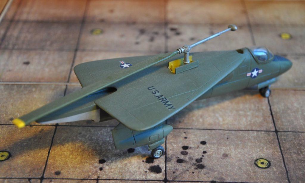 Der Rotor der XV-2 konnte zum Geradeausflug eingeklappt werden.