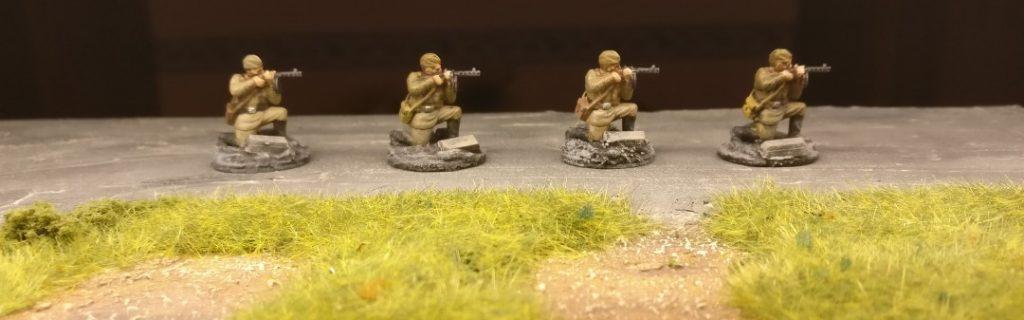 Vier SMG-Schützen des 271. Schützenregiment der 10. NKWD-Division (20mm, PSC Russian Infantry in Summer Uniform)