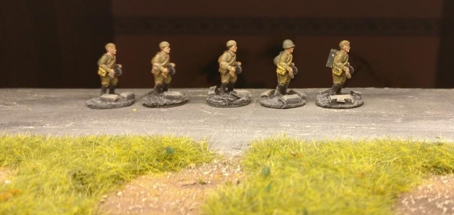 Fünf SMG-Schützen des 271. Schützenregiment der 10. NKWD-Division (20mm, PSC Russian Infantry in Summer Uniform)