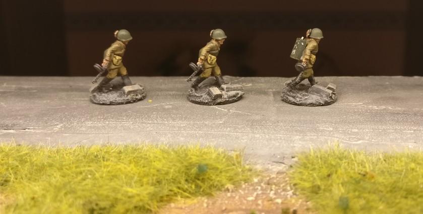 Drei SMG-Schützen des 271. Schützenregiment der 10. NKWD-Division (20mm, PSC Russian Infantry in Summer Uniform)