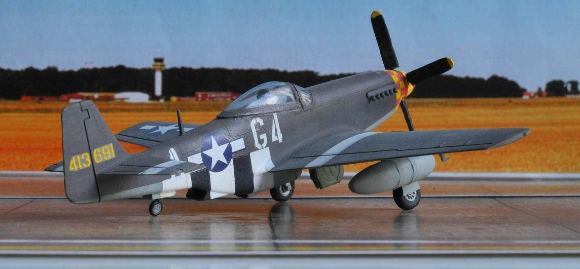 """Die P-51D """"Mustang"""" von Charles Weaver ist eine frühe D ohne vorspringende Leitwerkskante."""