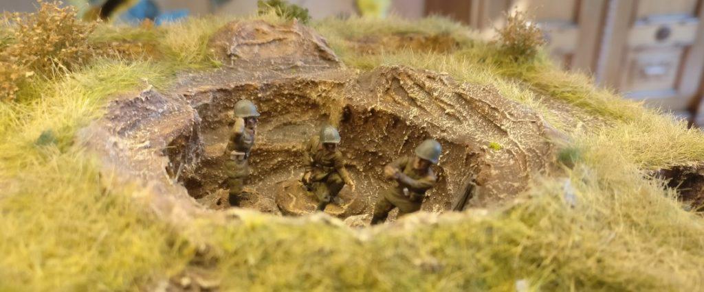 Drei Bediener für die neue Schützen-Division. Splitter & Granaten für die Steppe